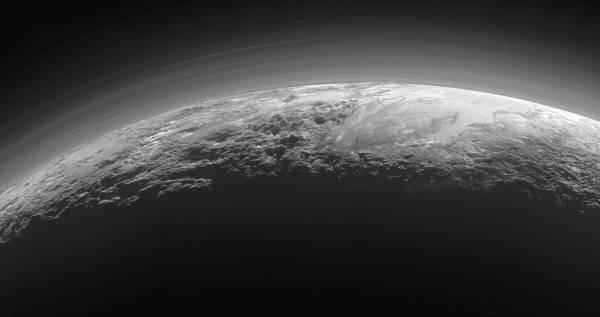 Плутон. 14 июля 2015 года